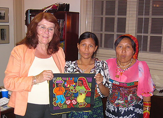 Mary Lyn Salvador with Guna collaborators (names not recorded)