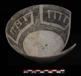 Dogoszhi-style Mancos Black-on-white bowl, no. 120 (Wallace Ruin)